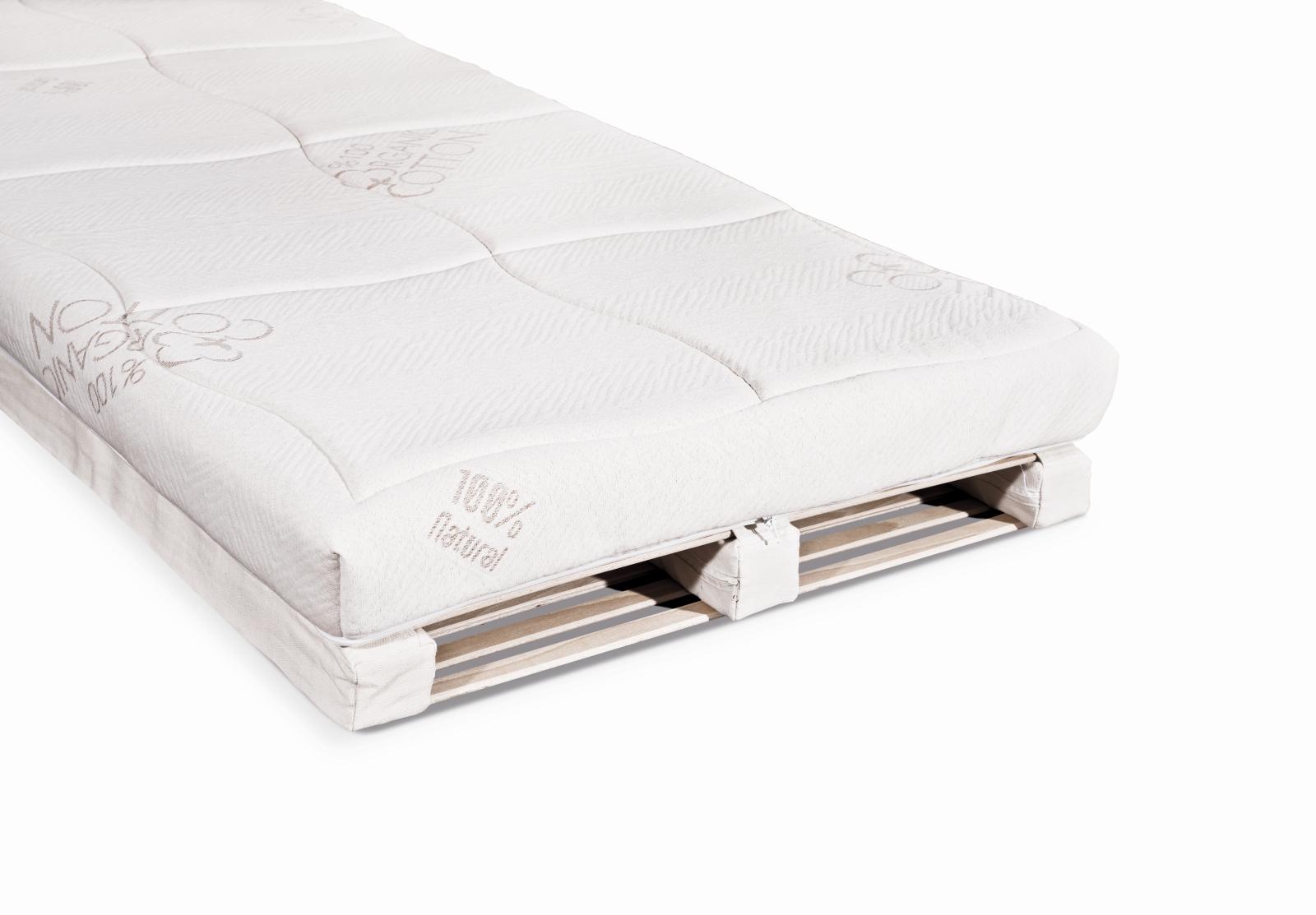 Spací systém ve variantě s matrací z přírodního kaučuku a potahem Organic.